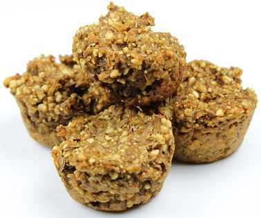 Apple chew muffins for horses